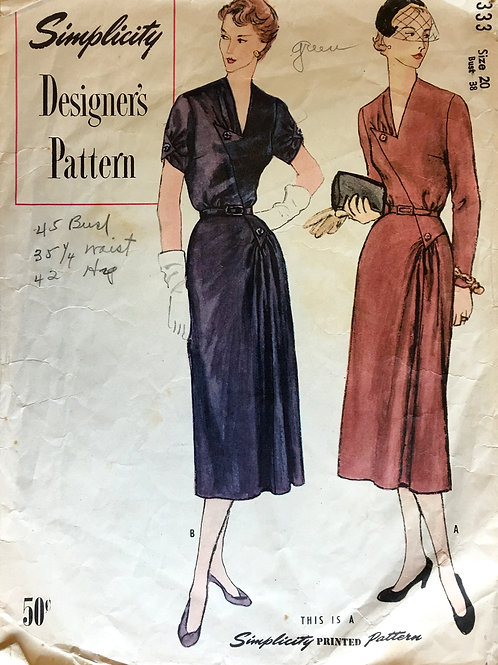 Simplicity Designer 8333. Retro v-neck dress