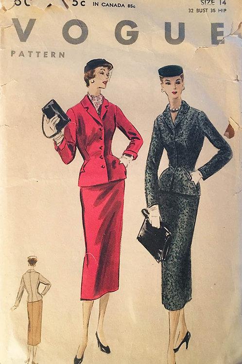 Vogue 8065. Vintage 1950s Ladies Suit with cool detailing