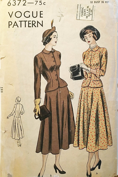 Vogue 6372 Classic 1940s dress suit. Fitted jacket and swing skirt