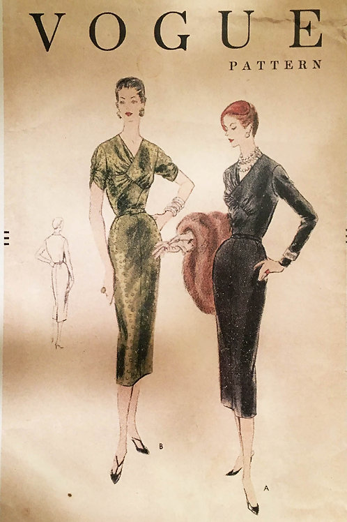 Vogue 8477. Film Noir glam. forties pattern.