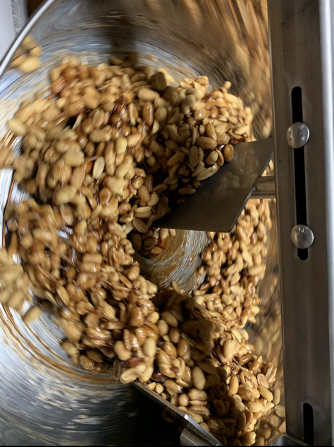 Making of maple cinnamon nuts