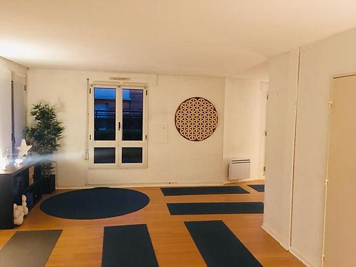 salle Pur yoga.jpg