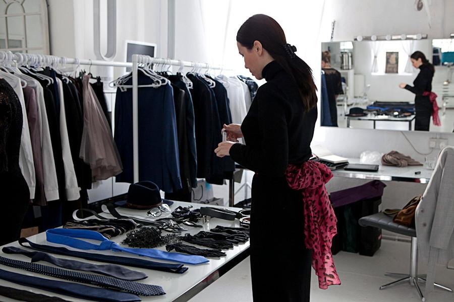 clothing-rail-accessories-art-director-f