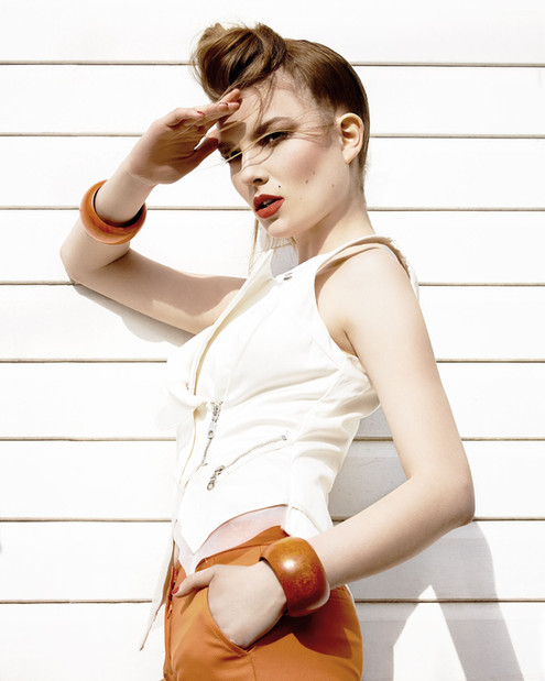 valentino-trousers-editorial-female-mode