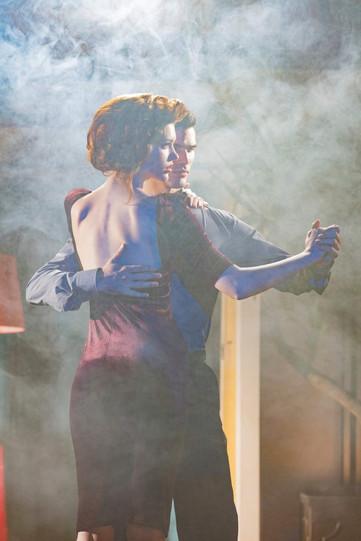 argentinian-tango-dance-couple-movie-sce