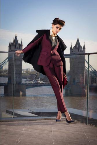 london-bridge-business-woman-lady-model-