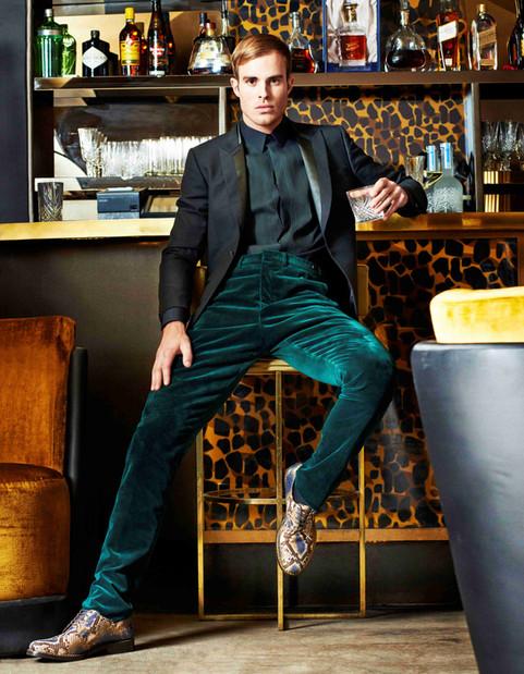 green-shirt-trousers-snake-skin-shoes-me