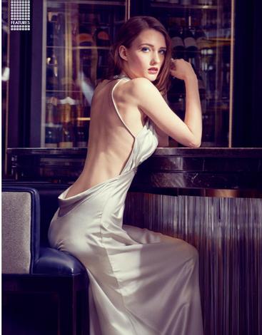 evening-dress-cocktail-bar-beautiful-sex