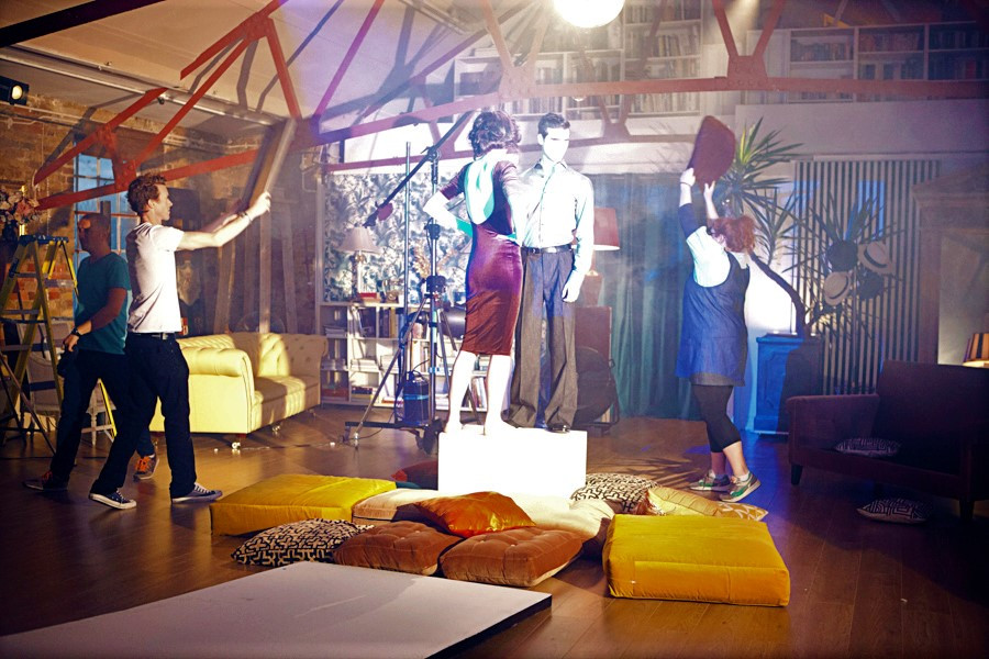 Behind-scenes-photo-shoot-crew-layra-har