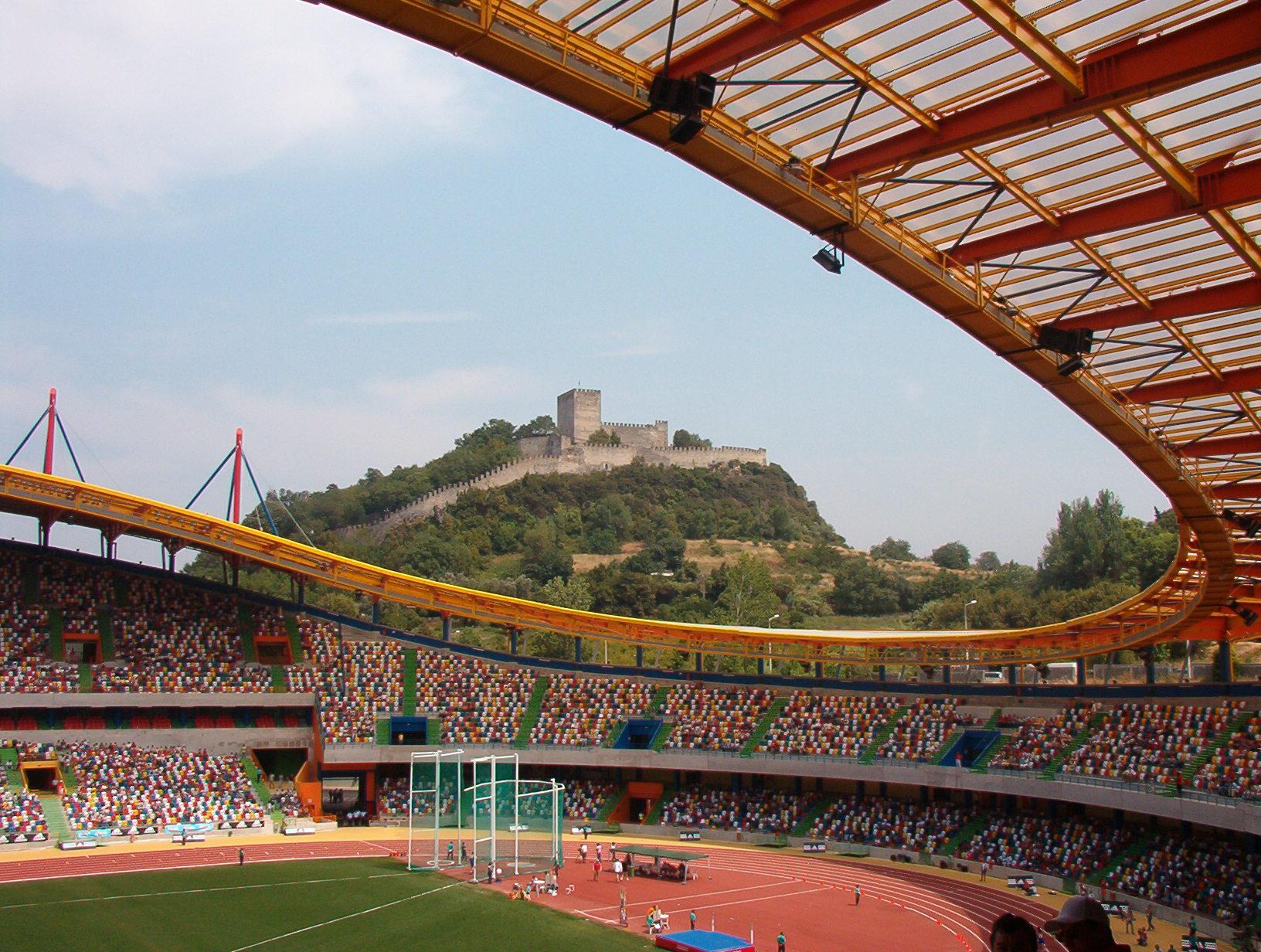 Estádio_Dr._Magalhães_Pessoa2