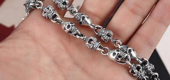 Necklace, small skulls