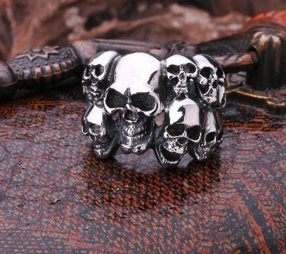Ring of small skulls