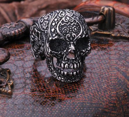 Ring Skull Ornament
