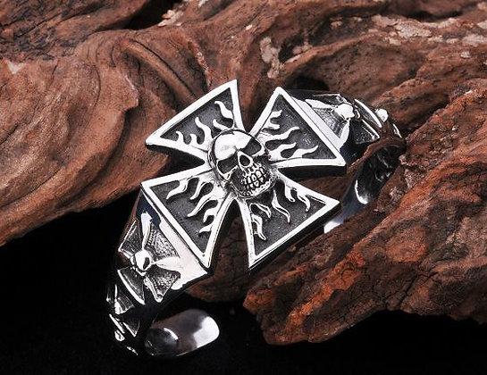Bracelet maltese cross with skull