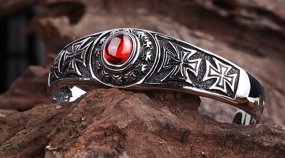 Brecelet red stone