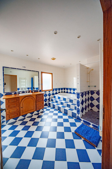 Salle de bain avec baignoire 🛁