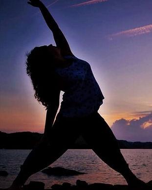 anya yoga1.jpg