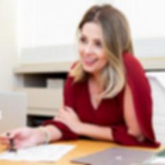 Dra Livia Lyra. Angiologista e cirurgiã vascular Belo Horizonte