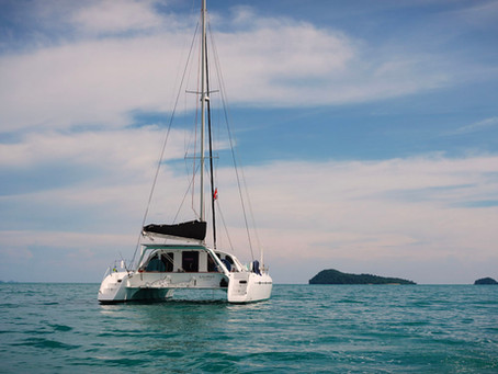 the >TOP 3< hidden benefits & the >TOP 3< awful things of LIVING ABOARD a SAILBOAT