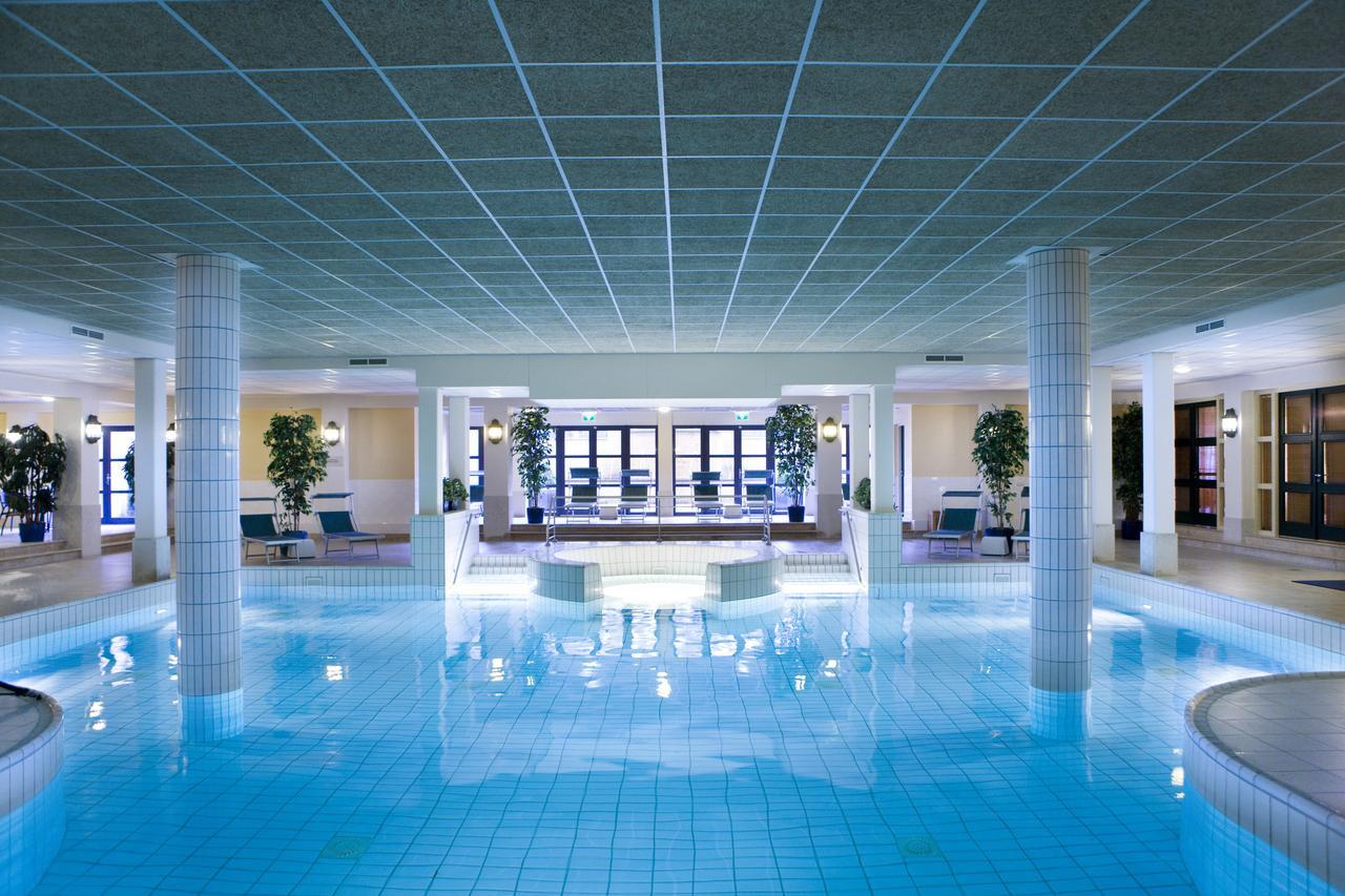 Mamamoon Retreat 2019 - Heerlickheijd Ermelo swimming pool
