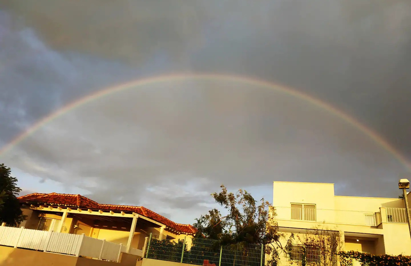 מרץ 2020 . קשת מעל בתי כפר קיש למזל טוב. March 2020. A rainbow above Kfar Kisch's houses means good luck.