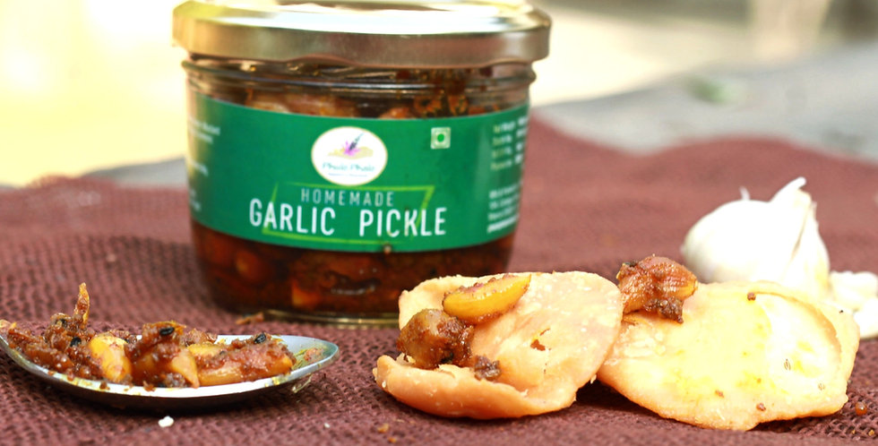 Homemade Garlic Pickle (160g)