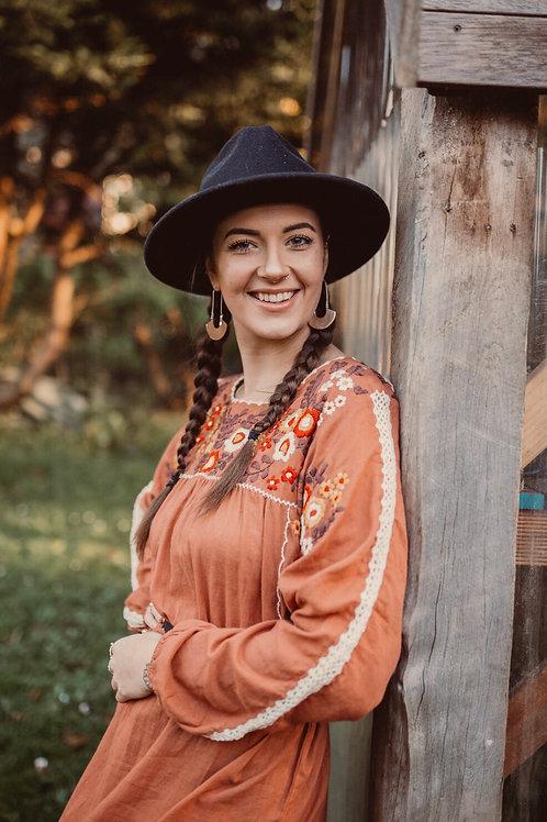 Fleetwood  Folk Dress ~  Henna