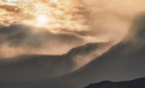 Enlig hest i skyerne | Island