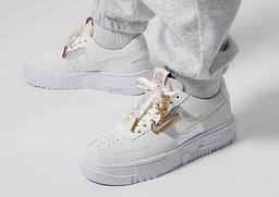 info-sneakerHead-03.png