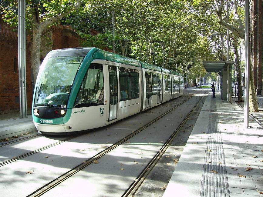 Tram_Barcelona.jpg