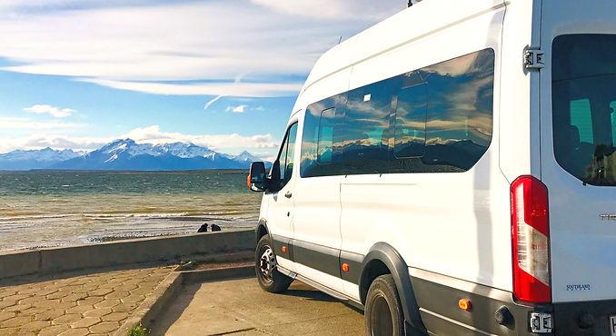 Transporte en Torres del Paine.jpg