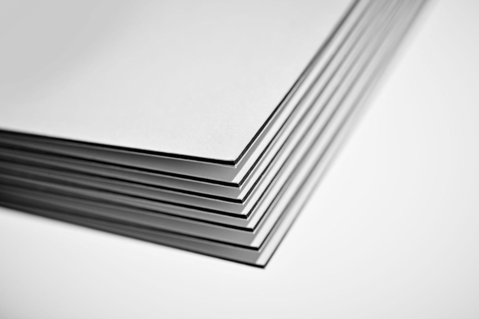 kleoncards_paper_black_core_01.jpg