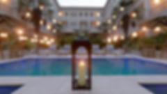 La_Victoria_colonial_hotel_-_jardín_cent