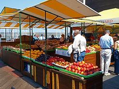 market-3304310_1920.jpg