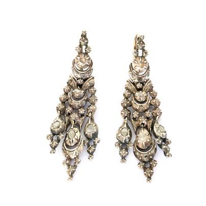23 Early Diamond Iberian Ears £2,700