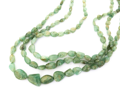272 3 Row Emerald Bead Necklace.£500