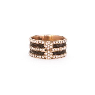 27 Rare Pearl and Hair Band Ring £1,250