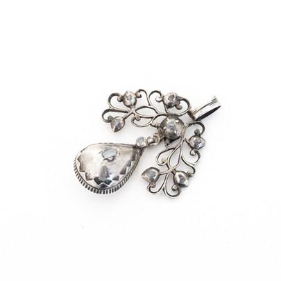 65 Diamond and SIlver Pendant.£550