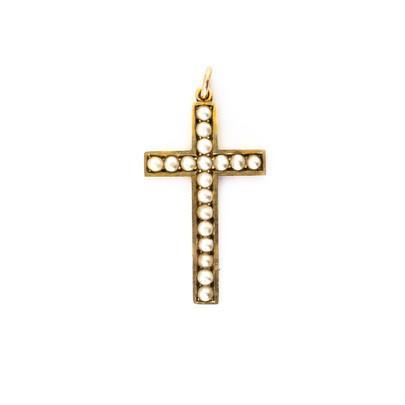 151 9ct Pearl Cross £270