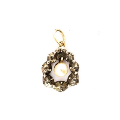 85 Diamond & Pearl Pendant £390