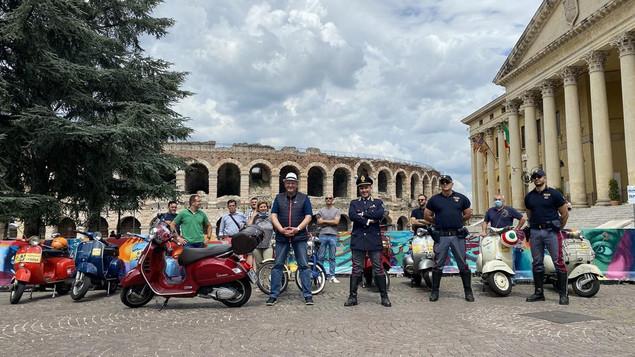 Arena di Verona con il Vespaclub e la Polistrada