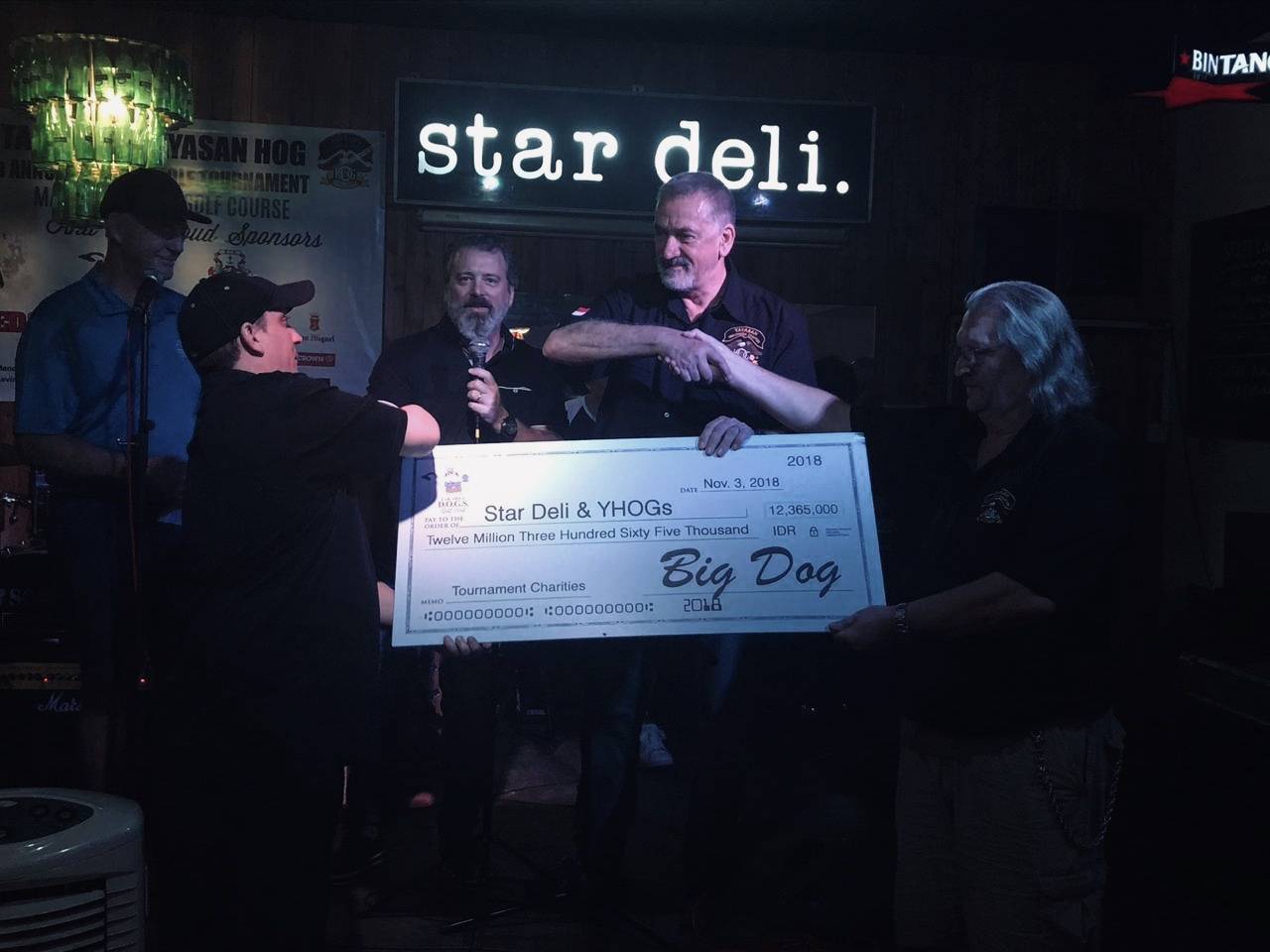 DOGS donation 2018 Star Deli Tournament.