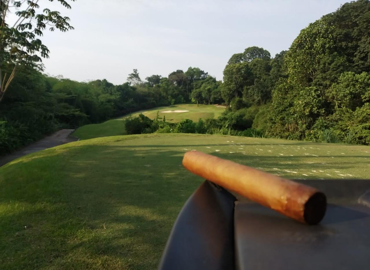 Riverside Week 3 cigar on 14.jpeg