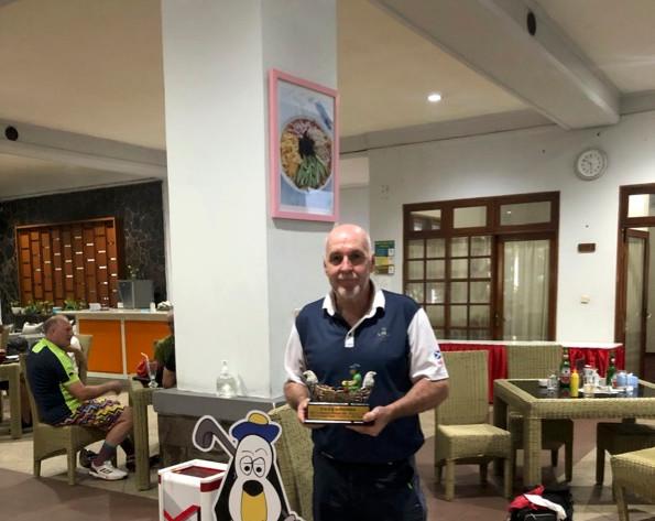 Pangkalan Jati R4 Doug with Pocksia victory trophy.jpg