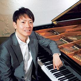 齋藤めぐむ_piano.jpg