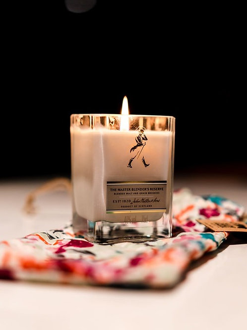 Gold Label Candle with Sustainable Packaging