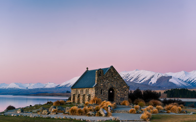 nz-new-Zealand-lake-tekapo-good-sheperd-