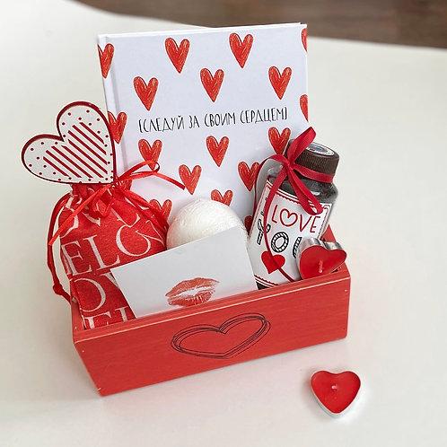 Купить подарочный набор Love на 8 марта для женщин в Москве