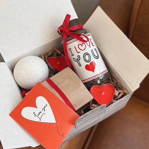 Купить подарочный набор для мужчин и женщин на день Валентина в Москве