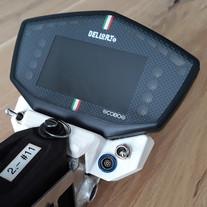 Moto Display.jpg